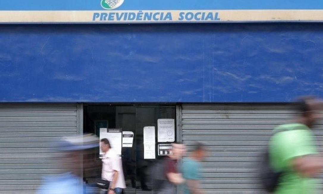 Reforma da Previdência prevê idade mínima de 65 para homens e 62 para mulheres Foto: Márcio Alves / Agência O Globo