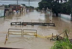 Ruas de Santa Cruz estão alagadas e com jacarés soltos Foto: Reprodução