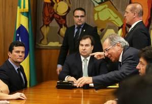 O ministro da Justiça, Sergio Moro, vai ao Congresso e entrega o pacote Anticrime ao presidente da Câmara 19/02/2019 Foto: Jorge William / Agência O Globo- 19-02-2019