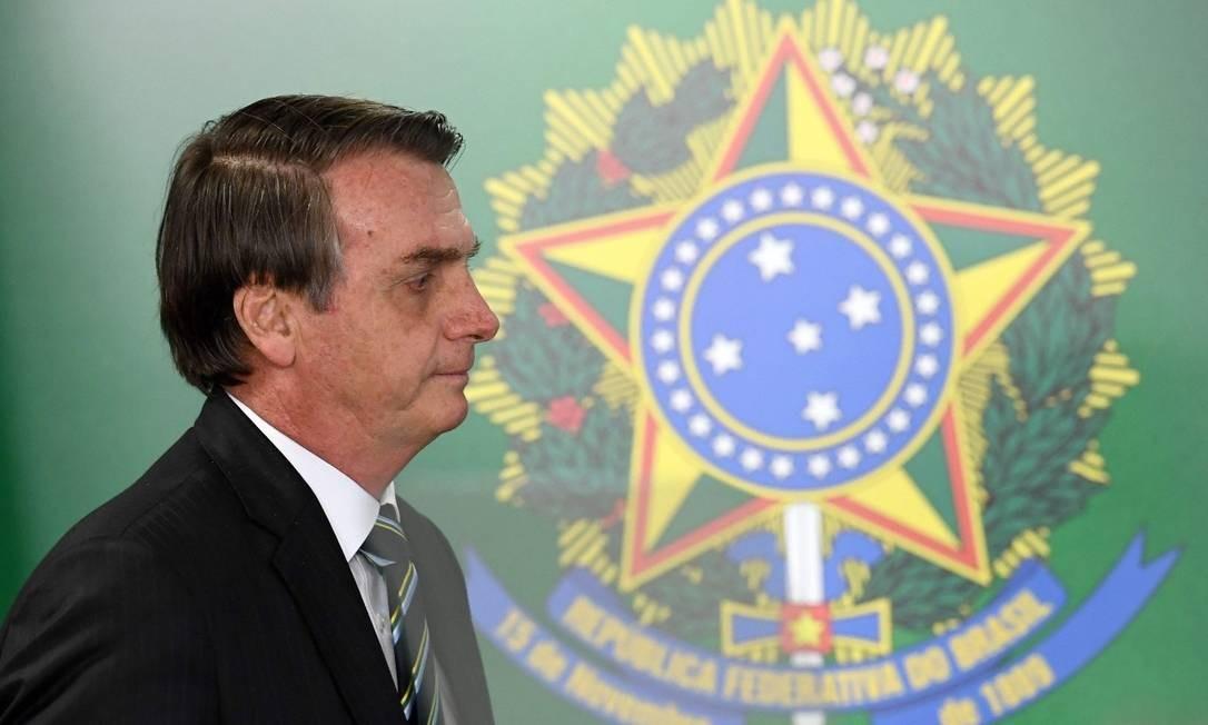 Jair Bolsonaro tem buscado governar com base em duas premissas: cumprir promessas de campanha e agradar a opinião de sua base virtual. Foto: EVARISTO SA / AFP