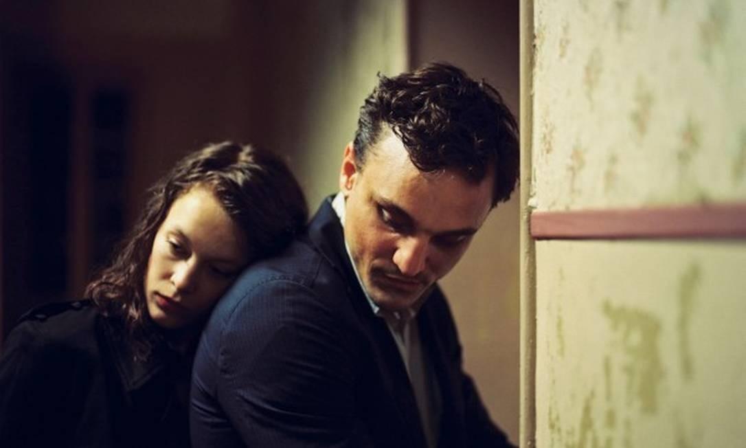 Paula Beer e Franz Rogowski estão no filme 'Em trânsito' Foto: Divulgação
