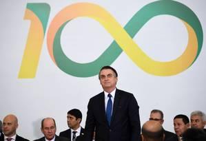 Em cerimônia dos 100 dias, Bolsonaro assina 18 atos e anuncia envio de medidas ao Congresso Foto: EVARISTO SA / AFP