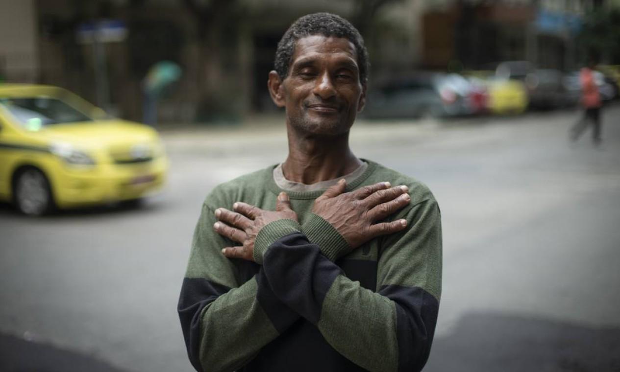 Aos 50 anos, Varlei, ou o Capoeira, se emociona com o carinho que tem recebido Foto: Alexandre Cassiano / Agência O Globo