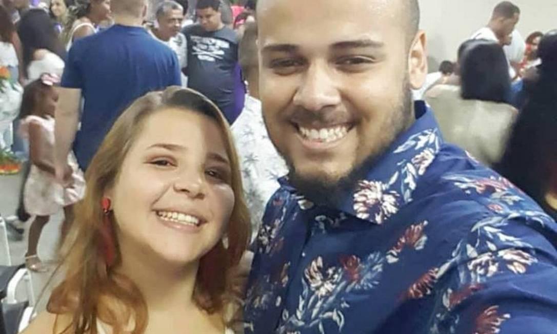 Winner e Gabriely iam completar um ano de casados Foto: Facebook / Reprodução