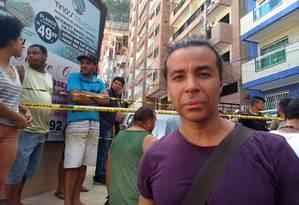 O ator e bailarino Johnny Wallace, de 42 anos, comprou um apartamento no subsolo do prédio ao lado do que desabou há cerca de 4 meses Foto: Gustavo Goulart