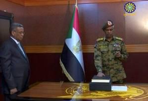 Awad Mohamed Ahmed Ibn Auf toma posse como chefe do Conselho de Transição Militar no Sudão Foto: REUTERS TV / REUTERS