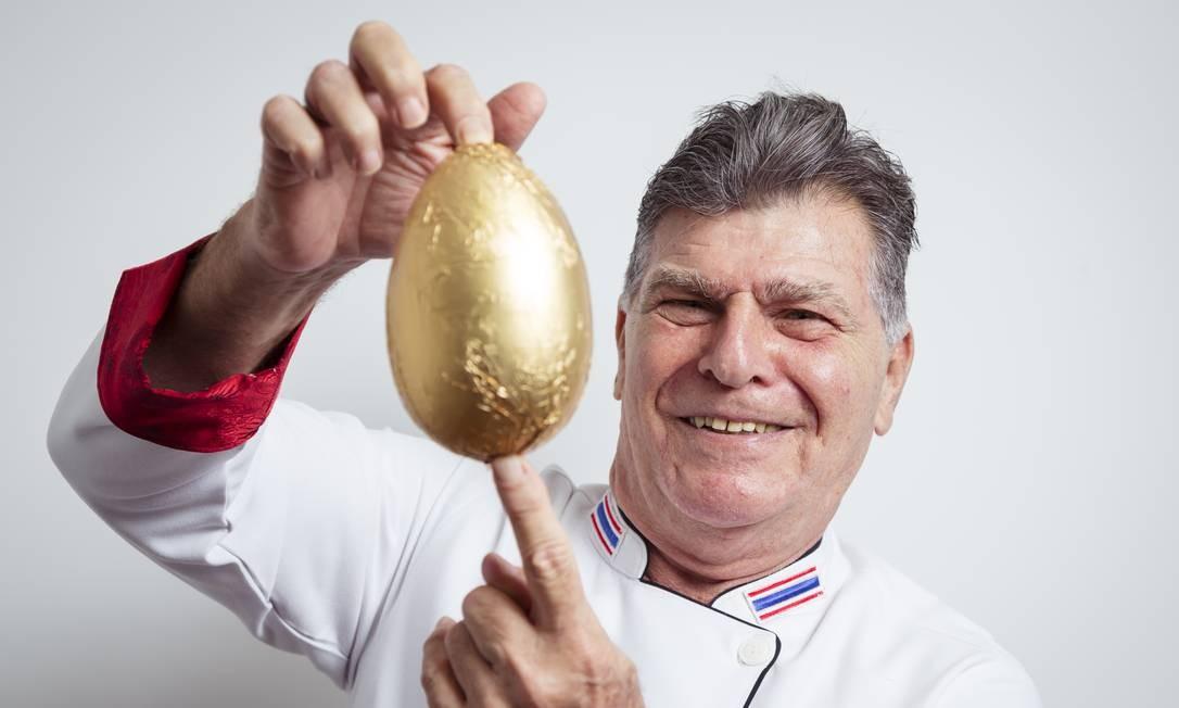 David Zisman, chef e dono do Nam Thai, no Leblon, está acostumado com a comida asiática Foto: Leo Martins / Agência O Globo