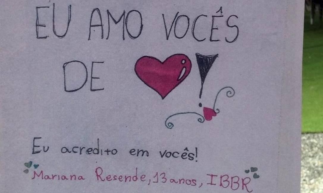 """Mariana, de 13 anos, diz que os bombeiros são seus heróis: """"muito obrigado por salvarem as pessoas de Brumadinho"""" Foto: Divulgação"""
