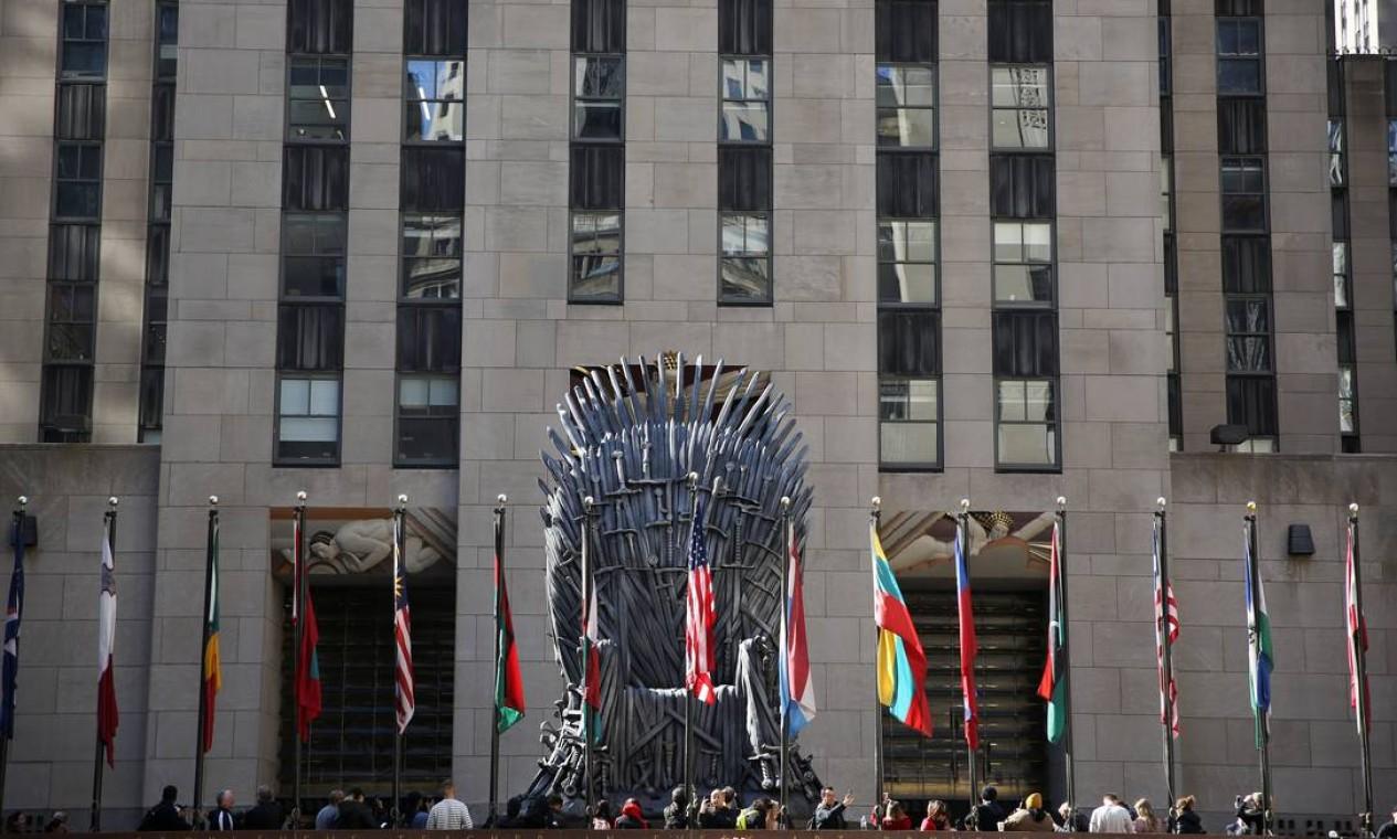 Réplica do Trono de Ferro no Rockefeller Center, em Nova York. Foto: CAITLIN OCHS / REUTERS