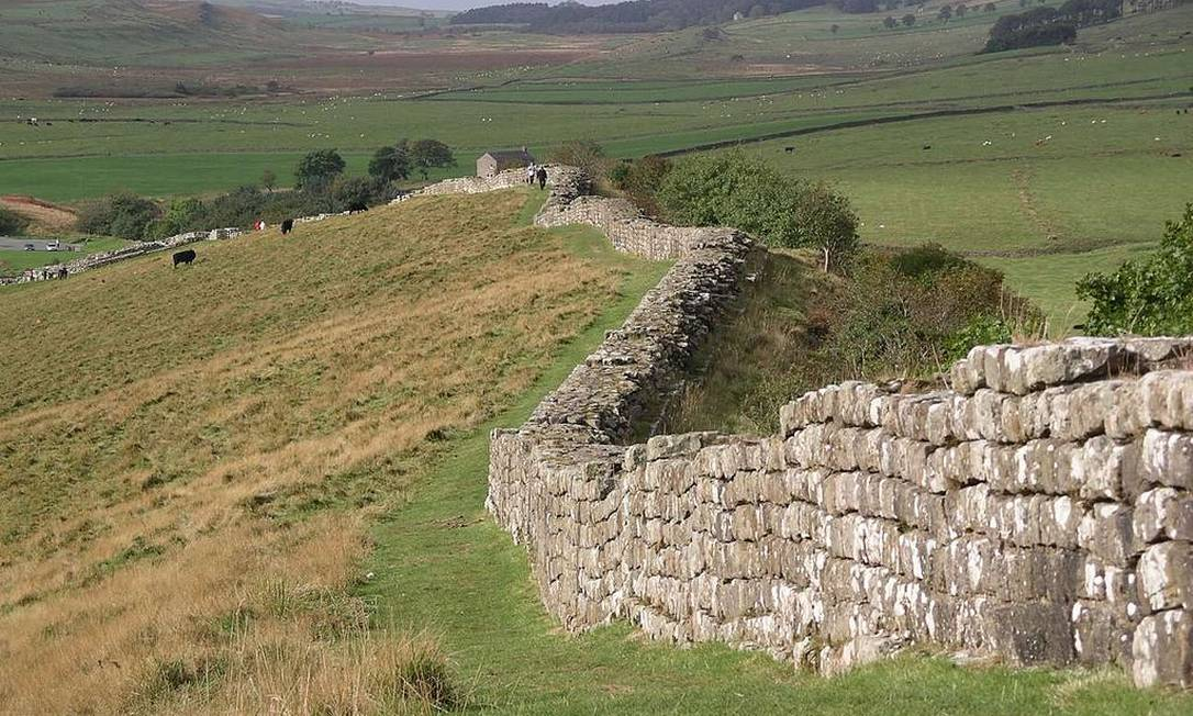 A Muralha de Adriano, na Inglaterra, que inspirou a Muralha da série, segundo o autor dos livros, George R. R. Martin. Foto: Divulgação