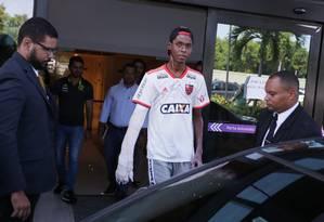 Jogador recebeu alta do Hospital Vitória no último dia 13 Foto: Cléber Júnior / Agência O Globo