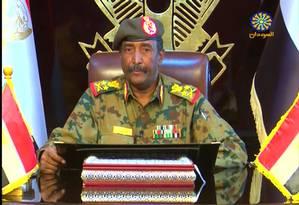 Tenente-general Abdel Fattah al-Burhan Abdelrahman durante pronunciamento televisionado Foto: - / AFP