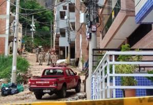 O trabalho de Bombeirose militares do Exército varou a madrugada Foto: Divulgação