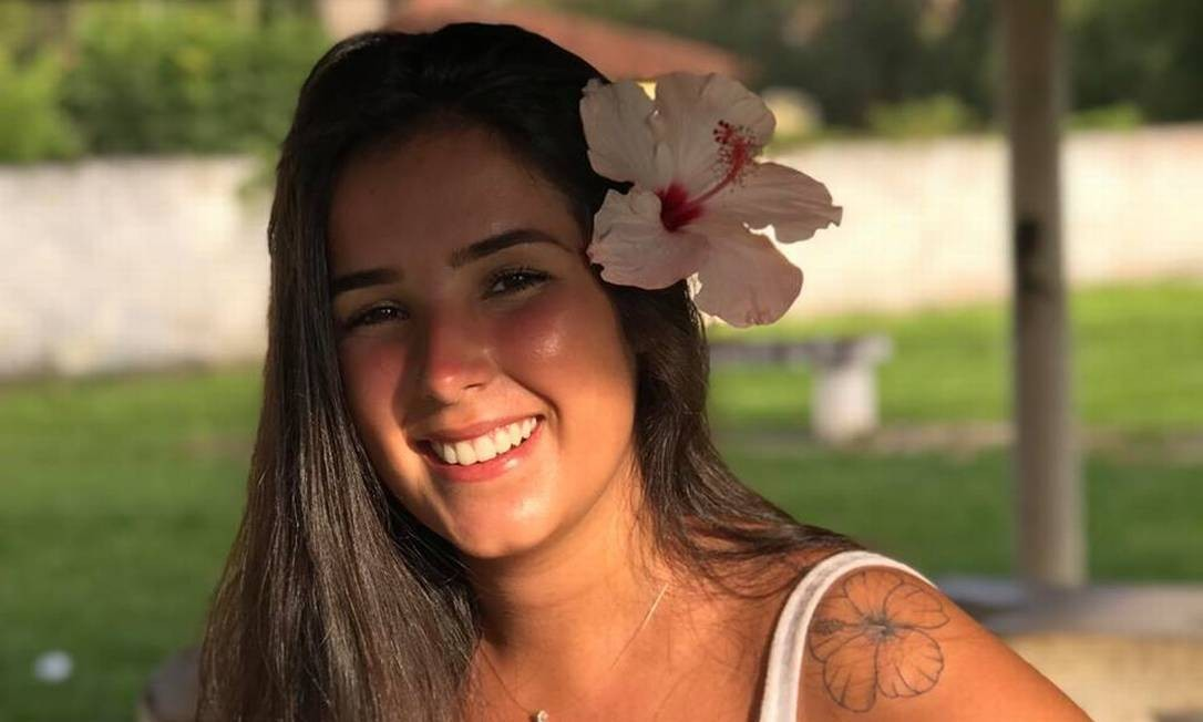 A estudante de odontologia Maria Fernanda Ferreira de Lima morreu após ser eletrocutada durante evento de música Foto: Facebook / Reprodução
