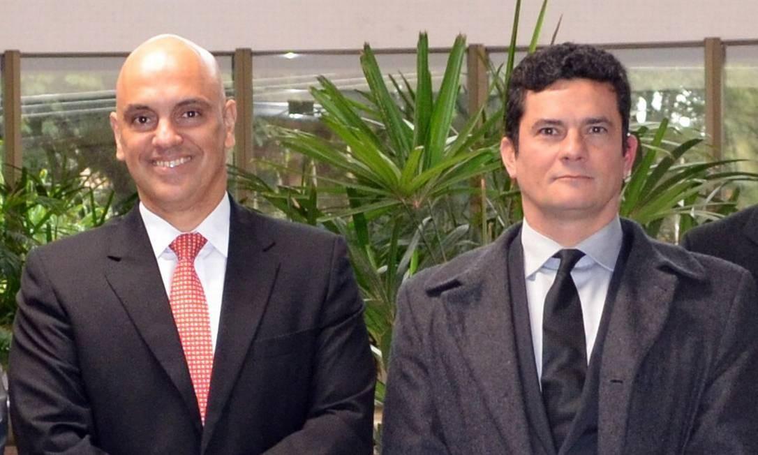 Alexandre de Moraes e Sergio Moro durante encontro em 2016, em Curitiba: pacotes devem tramitar juntos no Congresso Foto: Divulgação/Justiça Federal do Paraná