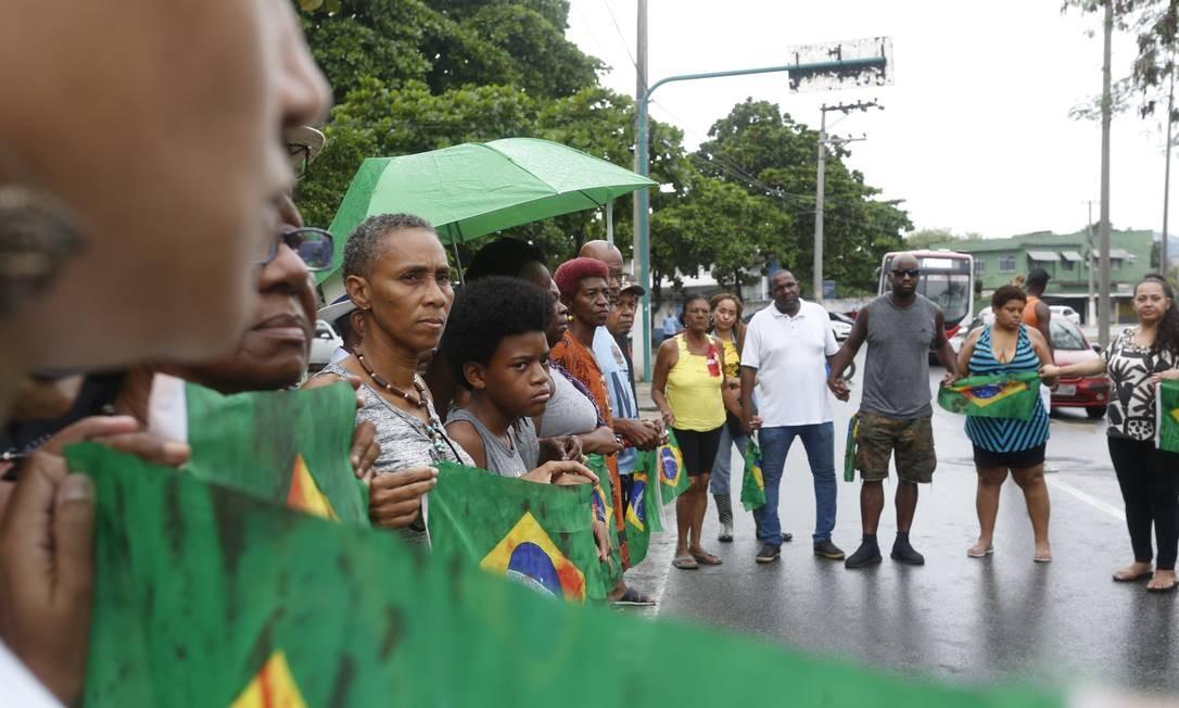 Amigos de músico executado em Guadalupe pedem justiça no local onde o crime foi cometido em 14 de abril de 2019 Foto: Thiago Freitas / Agência O Globo
