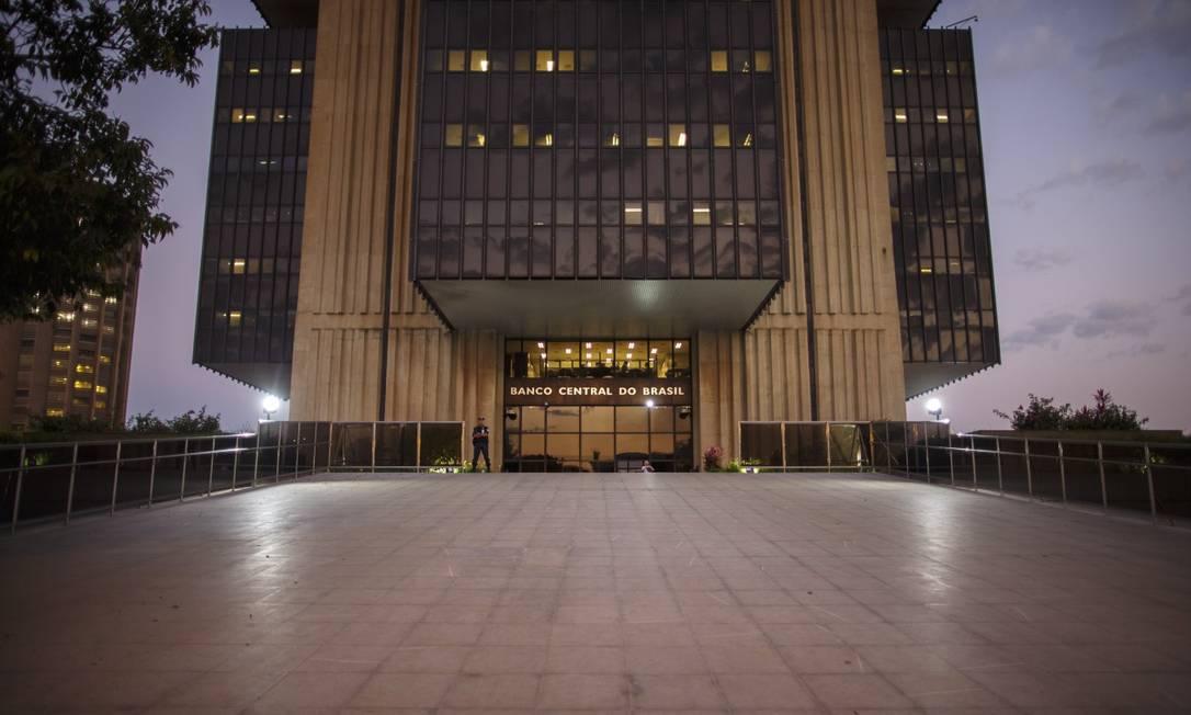 O Índice de Atividade Econômica do Banco Central (IBC-Br) teve recuo de 0,73% em fevereiro na comparação com o mês anterior Foto: Daniel Marenco / Agência O Globo