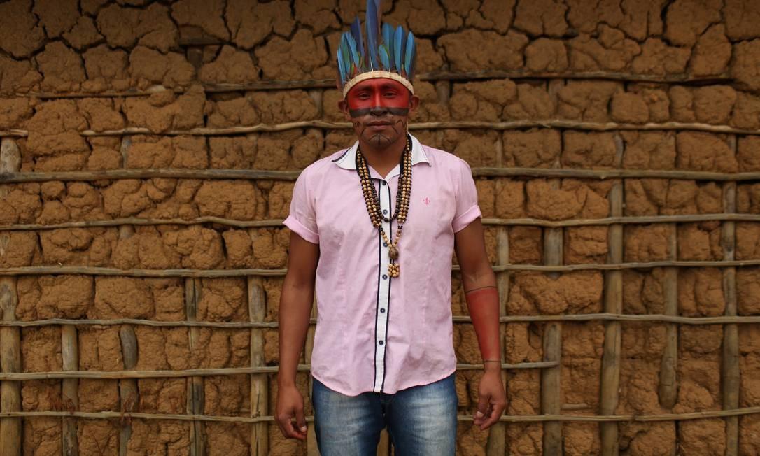 O líder Macuxi Tuchaua Gilmario Pereira, na comunidade Uailan da reserva Raposa Serra do Sol reservation Foto: BRUNO KELLY / REUTERS
