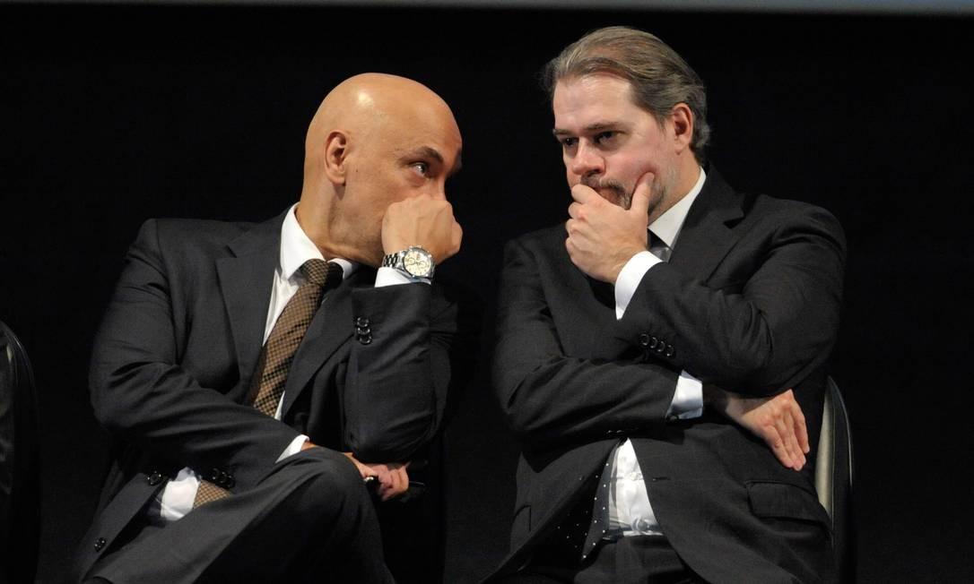 O presidente do STF, Dias Toffoli, e o ministro Alexandre Moraes 07/03/2018 Foto: Fabio Rodrigues Pozzebom/Agência Brasil / Agência O Globo