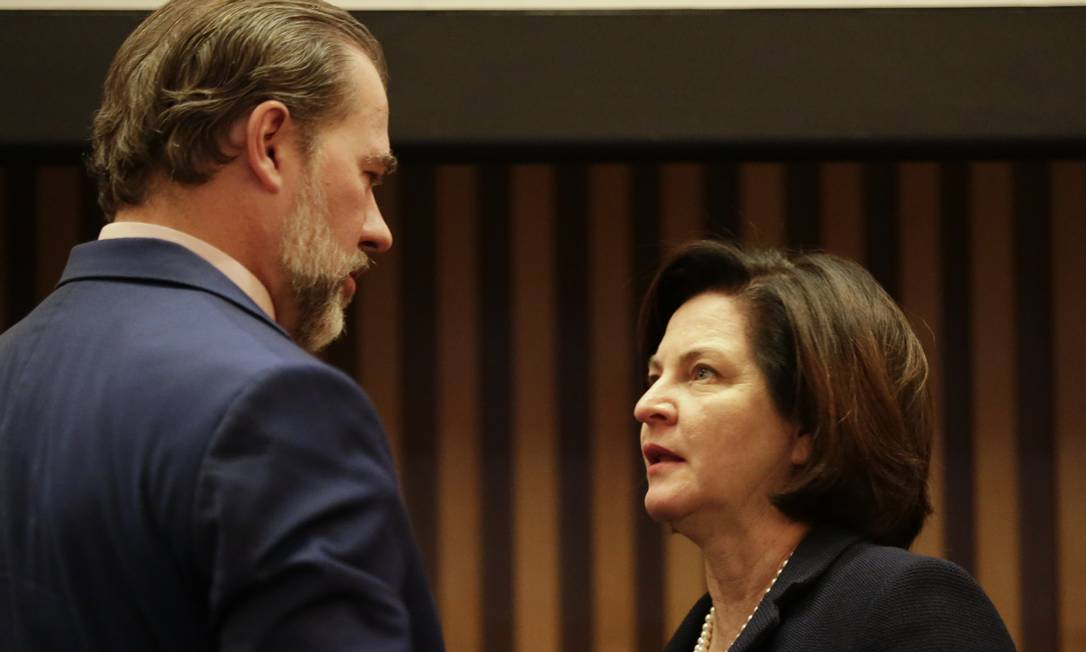 O presidente do Supremo Tribunal Federal Dias Toffoli e a procuradora-geral Raquel Dodge Foto: Gabriel de Paiva / Agência O Globo