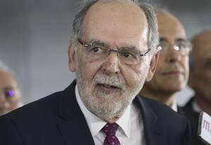 O presidente do Conselho Federal de Medicina, Carlos Vital, esteve reunido nesta terça-feira com o presidente Jair Bolsonaro Foto: Valter Campanato/Agência Brasil