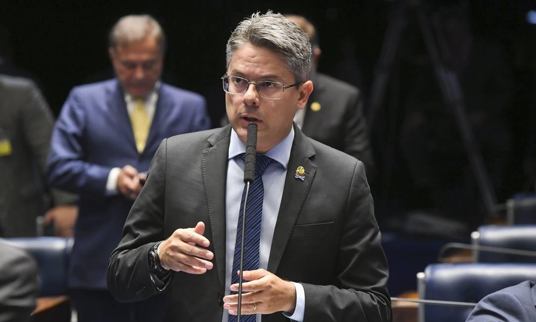 Resultado de imagem para Pedido de impeachment de Toffoli e Moraes ganha apoio de senadores