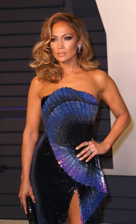 """Mais um prêmio para a conta de Jennifer Lopez. O CFDA, conselho que reúne os estilistas dos Estados Unidos, escolheu a cantora e atriz para receber o prêmio de """"Ícone Fashion"""", dado na edição 2019 do CFDA Awards, que aconteceu em junho, em Nova York Foto: Tony Barson / FilmMagic"""
