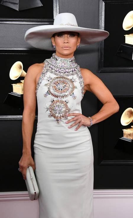 """""""O estilo de Jennifer Lopez é ousado, desinibido e sempre memorável"""", disse Steven Kolb, presidente do CFDA. """"Designers, incluindo muitos de nossos membros do CFDA, adoram vesti-la"""". Nesta galeria, reunimos os looks mais emblemáticos da carreira da artista, que começou a fazer sucesso na música em 1999 Foto: Jon Kopaloff / Getty Images"""