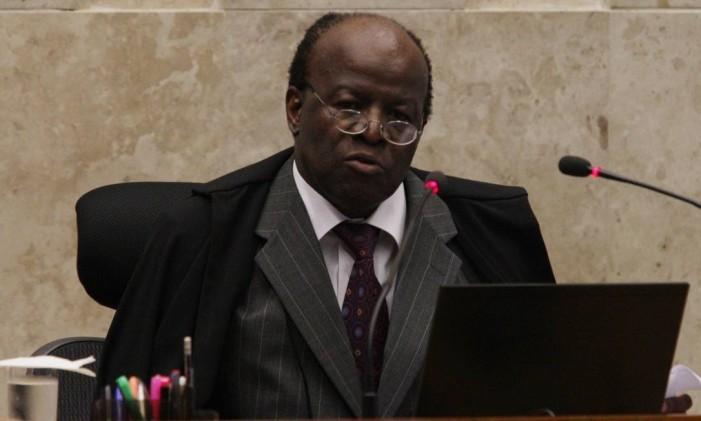 O ministro Joaquim Barbosa Foto: André Coelho / O Globo