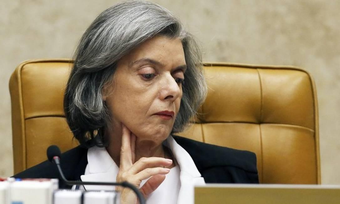 A ministra Carmen Lúcia criticou nesta quinta-feira a decisão do Supremo de censurar reportagem que desagradou o presidente da Corte, Dias Toffoli Foto: Jorge William / Agência O Globo