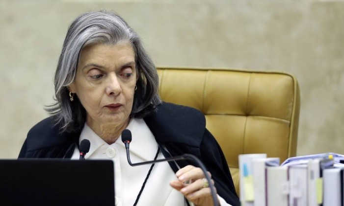 A ministra Cármen Lúcia durante sessão no Supremo Tribunal Federal Foto: Jorge William / Agência O Globo