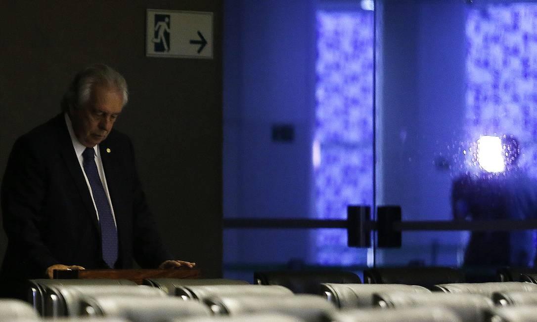 Deputado Paulo Magalhães (PSD-BA) registra presença no plenário da Câmara e segue para o aeroporto de Brasília Foto: Jorge William / Agência O Globo