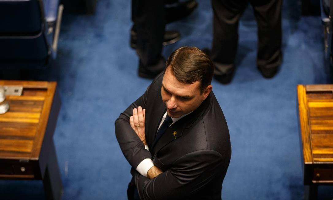 Flávio Bolsonaro participa de votação no Senado: novo projeto é condenado por ambientalistas Foto: Daniel Marenco / Agência O Globo/1-2-2019