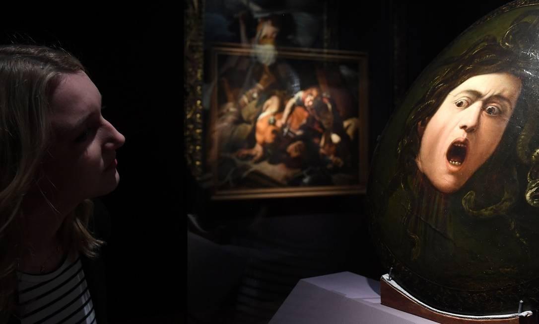"""A """"Medusa"""", de Michelangelo Merisi, conhecido como Caravaggio, é um dos destaques da exposição """"Utrecht, Caravaggio e Europa"""", na Alte Pinakothek, em Munique Foto: CHRISTOF STACHE / AFP"""