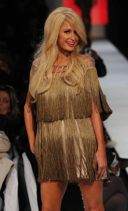 Na temporada de verão 2011, a Triton trouxe a socialite americana Paris Hilton para ser a estrela de sua apresenatação na São Paulo Fashion Week Foto: Caroline Bittencourt / LatinContent/Getty Images
