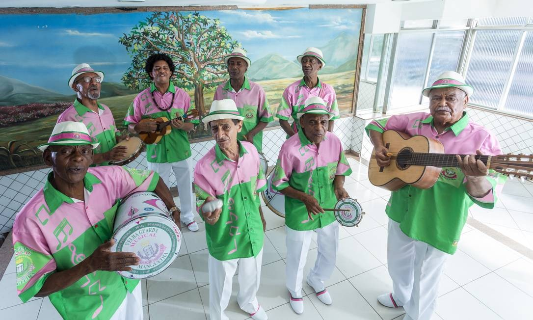 Velha guarda da Mangueira faz show em tributo a Geraldo Pereira na Uerj