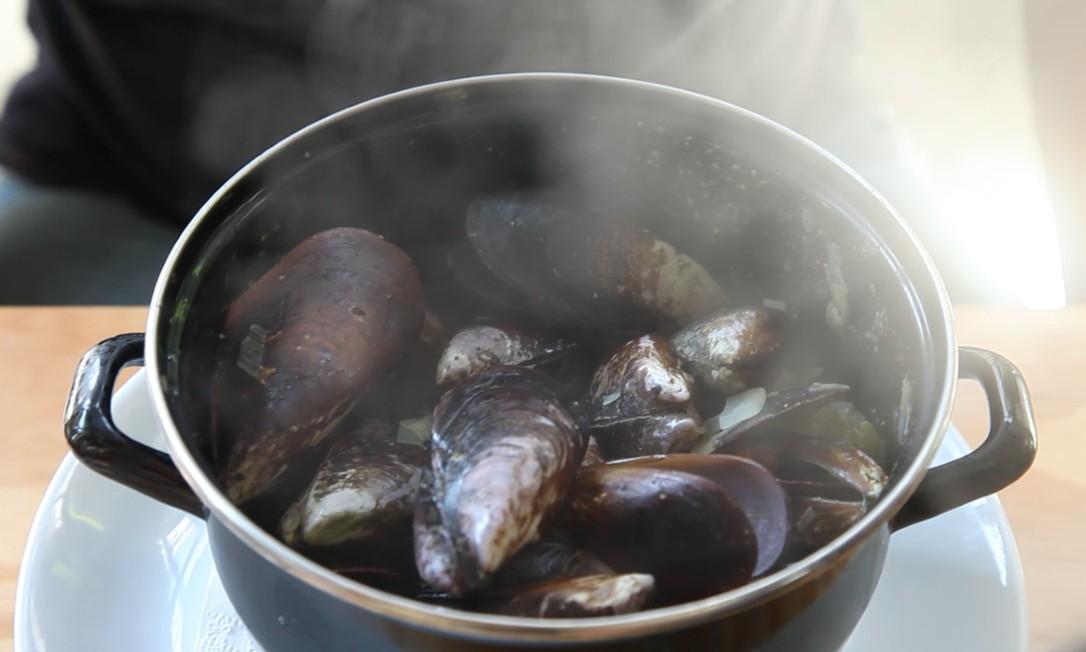 Festival Moules-Frites aos sábados: 4 tipos de molhos Foto: Divulgação