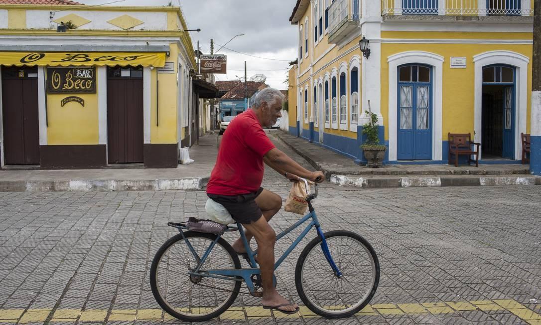 EC Iguape ( SP ) 17/04/2019 Iguape é uma das 2.130 cidades brasileiras onde há mais aposentados que trabalhadores formais . Foto: Edilson Dantas / Agencia O Globo Foto: Edilson Dantas / Agência O Globo