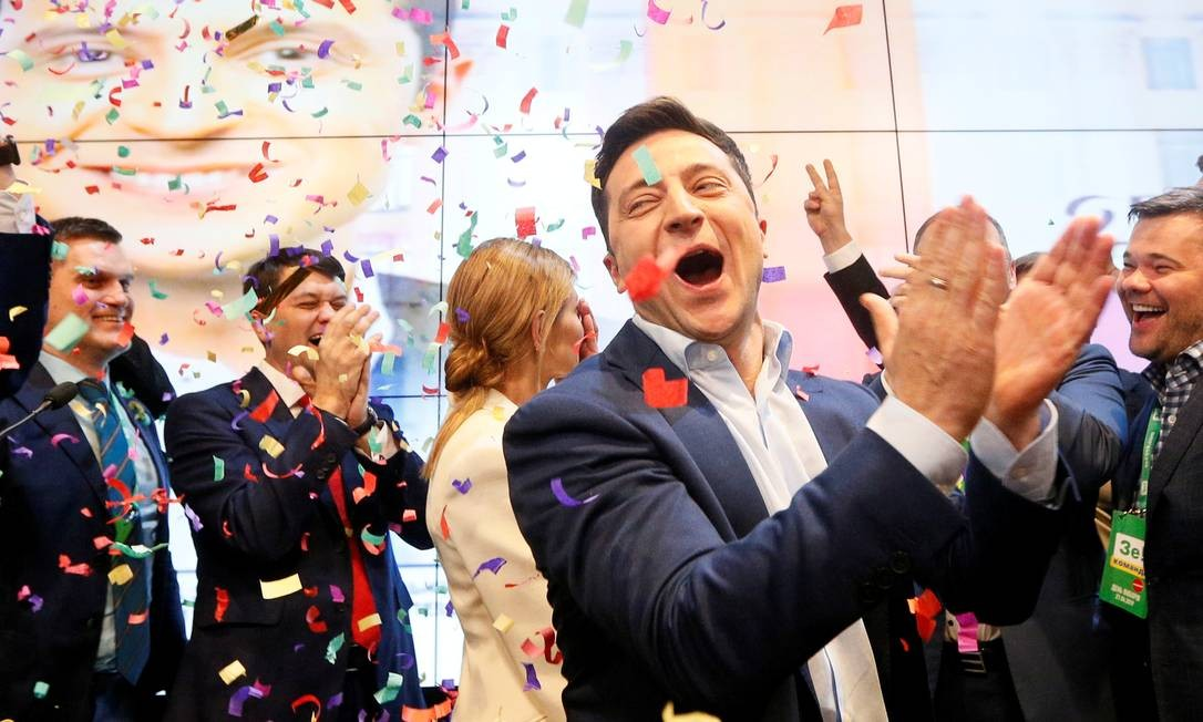 Candidato à Presidência da Ucrânia Volodymyr Zelenskiy reage aos resultados das pesquisas de boca de urna em Kiev Foto: VALENTYN OGIRENKO / REUTERS
