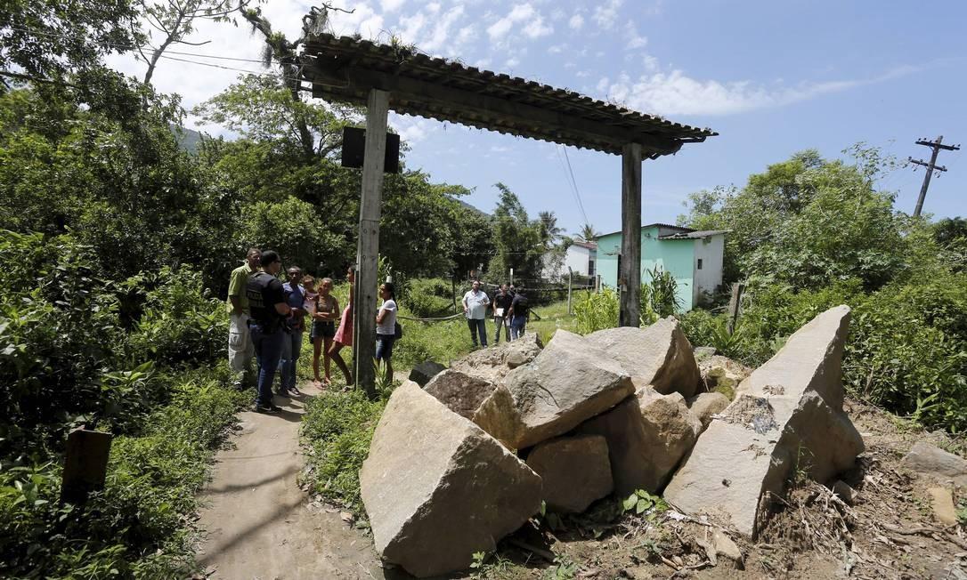 Quilombolas de Santa Izabel e Santa Justina, em Mangaratiba, tiveram a passagem impedida por ação da empresa Ecoinvest Foto: Domingos Peixoto / Agência O Globo