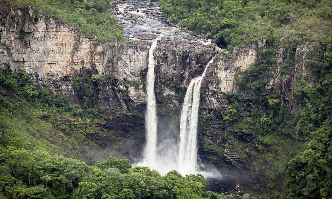 O Salto do Rio Preto Foto é uma das paisagens mais icônicas do Parque Nacional da Chapada dos Veadeiros Foto: Hermes de Paula / Agência O Globo