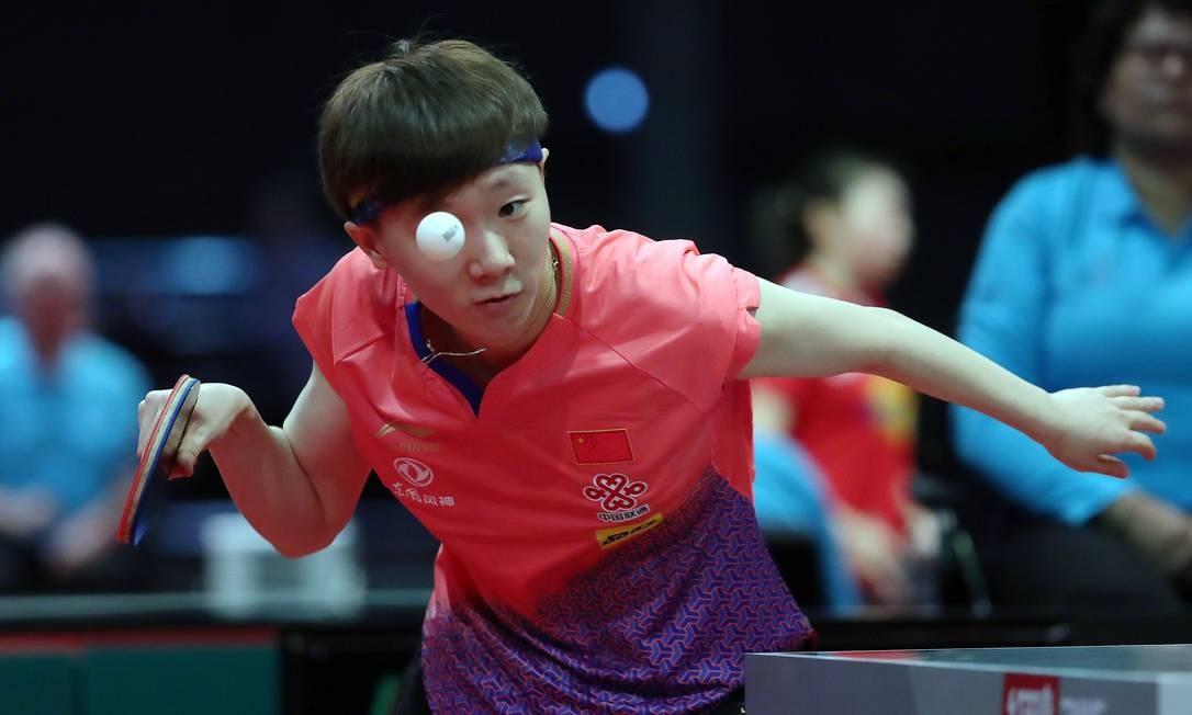 Wang Manyu, da China, durante partida individual feminina no Campeonato Mundial de Tênis de Mesa, em Budapeste Foto: FERENC ISZA / AFP