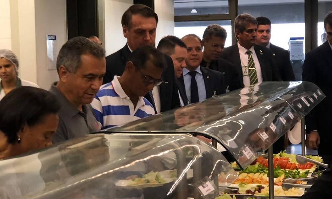Jair Bolsonaro no refeitório do Planalto Foto: Coluna Guilherme Amado/Agência O Globo