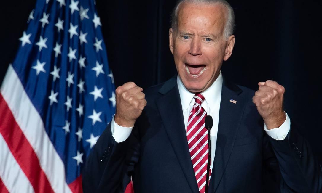 O ex-vice-presidente dos EUA Joe Biden discursa durante evento do Partido Democrata no estado americano de Delaware, pelo qual foi senador por quase quatro décadas: mania de tocar as pessoas, antes vista como um ativo político, agora pode lhe trazer problemas Foto: SAUL LOEB/AFP/16-03-2019