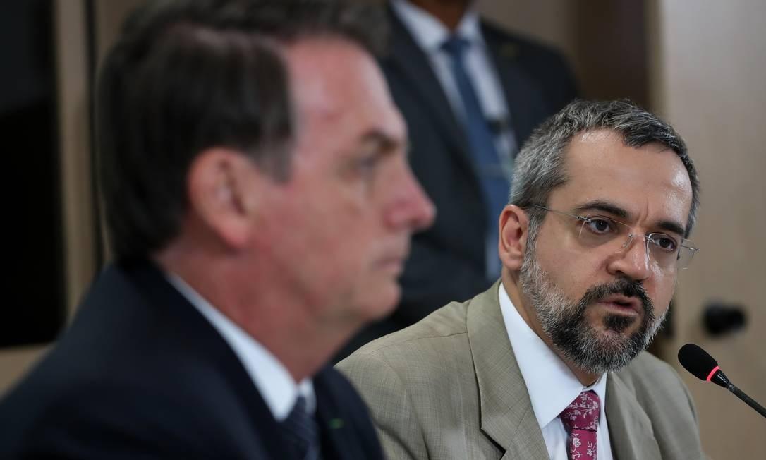 """Bolsonaro ecoou fala de Weintraub e sinalizou que priorizará """"áreas que gerem retorno imediato"""" Foto: Terceiro / Agência O Globo"""