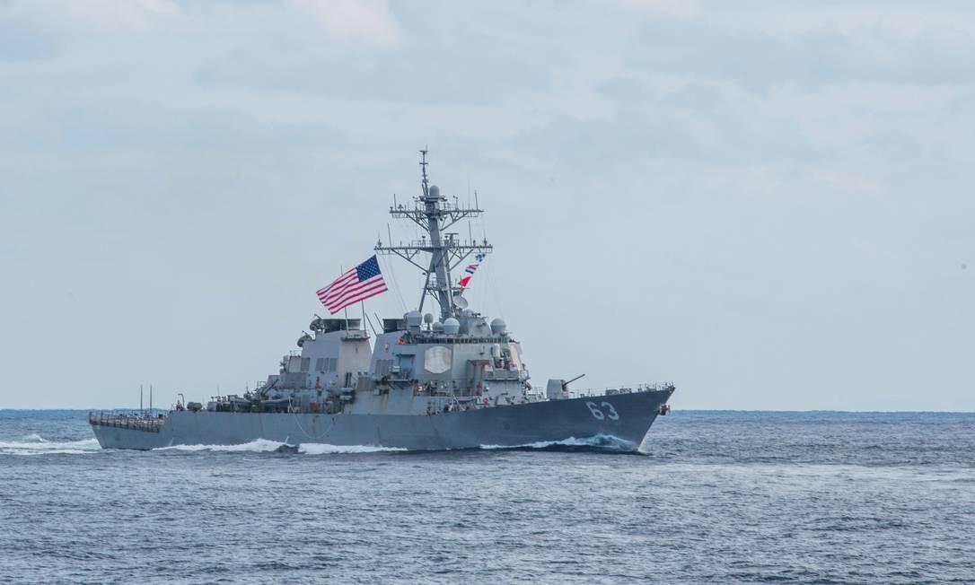 Drestróier americano navega no Pacífico em novembro de 2017: EUA mantêm de longe o maior orçamento militar do planeta Foto: / Kelsey J. Hockenberger/US Navy/REUTERS/12-11-2017