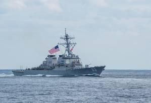 Drestróier americano navega no Pacífico em novembro de 2017: EUA mantêm de longe o maior orçamento militar do planeta Foto: Kelsey J. Hockenberger/US Navy/REUTERS/12-11-2017