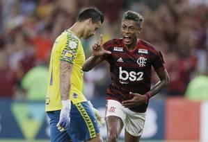 Bruno Henrique comemora gol do Flamengo sobre o Cruzeiro Foto: Antonio Scorza / Agência O Globo