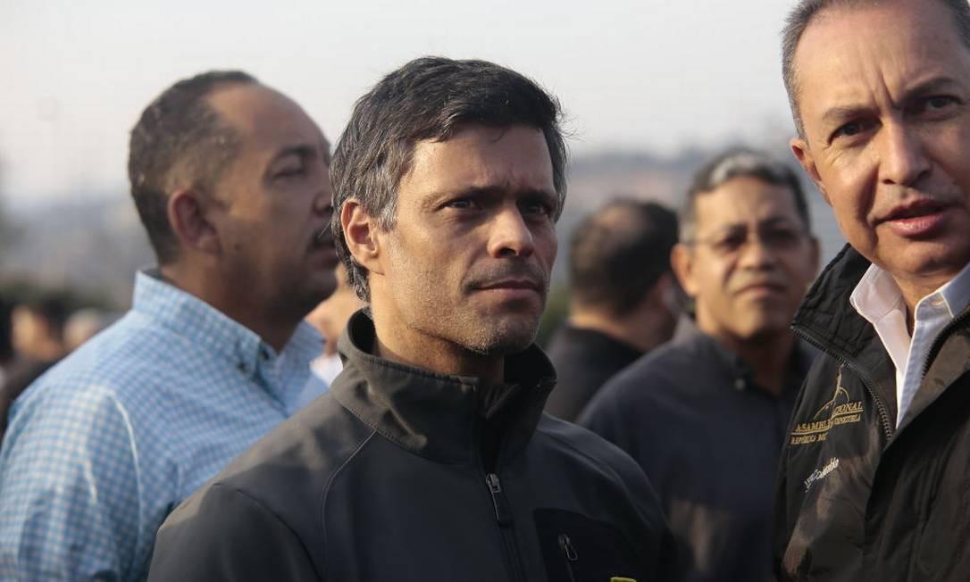 Leopolso Lopez, fundador do partido de oposição 'Voluntad Popular', preso desde 2014, participou do chamado às ruas para derrubar Maduro. Um grupo o retirou de sua prisão domiciliar nesta terça-feira, 30. Foto: Picture Alliance / Getty Image