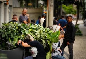 Desânimo na fila de empregos do Sindicato de Telefonia do Rio de Janeiro (Sinttel), na Tijuca Foto: Pablo Jacob / Pablo Jacob